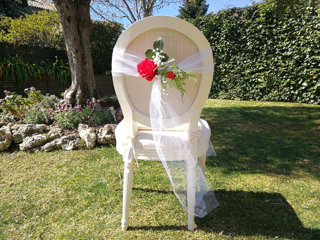Silla con detalle de boda