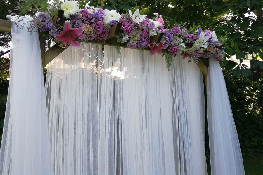 arco nupcial para boda al aire libre
