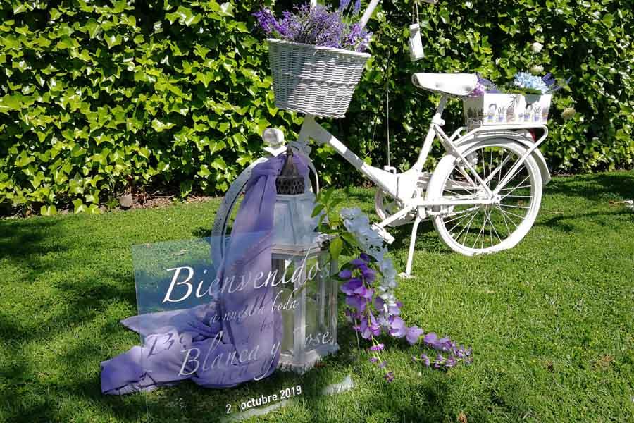 decoracion rincon bienvenida para boda en exterior