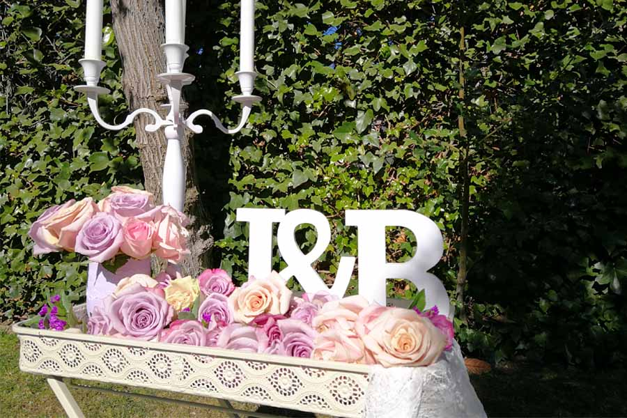 rincon romantico con iniciales